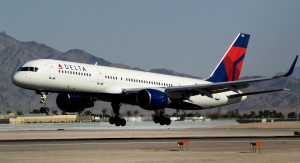 Delta_Air_Lines_New_Livery_Boeing_757-232_with_Winglets_N703TW_(1850694316)