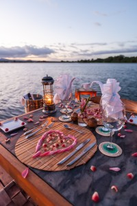 Romantic dinner at Jicaro Island Eco-Lodge
